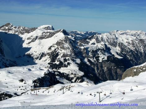 Widok z trasy na wysokości około 2000 metrów
