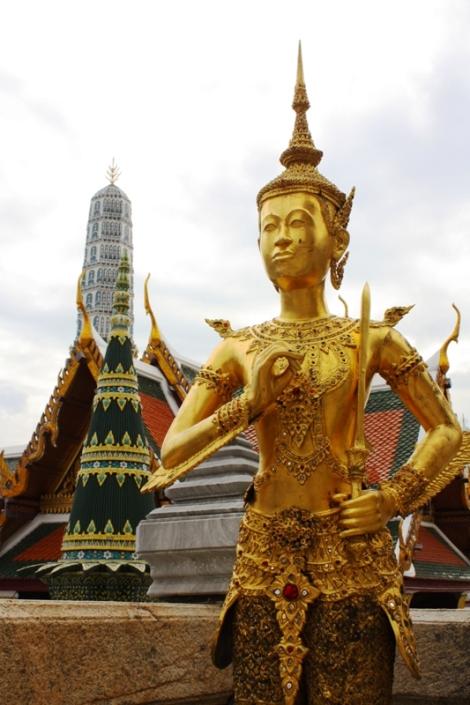 Wielki Pałac kojarzy mi się głównie z kolorem złotym.