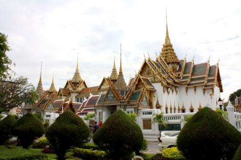 Wielki Pałac to ogromny obszar z wieloma świątyniami i, jak nazwa wskazuje, Pałacem.