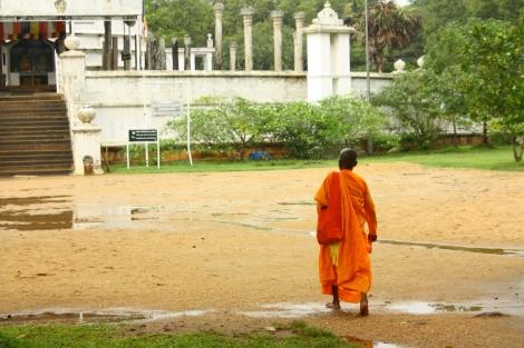 Jedna z większych dagob, jedynym odwiedzającym był mnich.