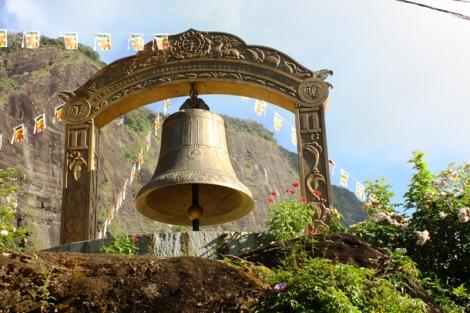 Buddyjski dzwon. Oznaka, że jesteśmy już prawie na dole