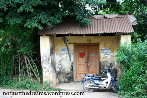 Czy Wam też ten dom przypomina przystanek autobusowy?