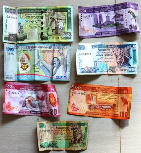 Banknoty - Rupie Lankijskie