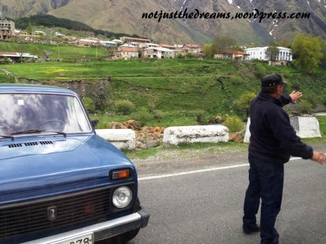 Ten Pan skutecznie przekonał nas, że jednak nas kierowca miał rację co do blokady drogi.