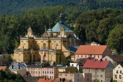Kościół Nawiedzenia NMP w Wambierzycach.  Źródło: http://dziedzictwo.ekai.pl/